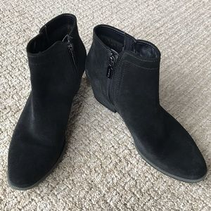 Blondo Black Suede Ankle Boots 7M